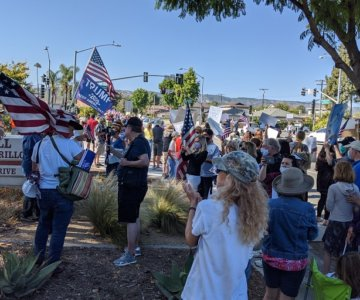Community Comes Out to Support the Camarillo Police